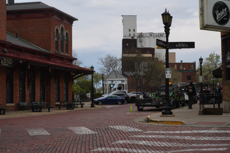 image of franklin avenue, a red brick street