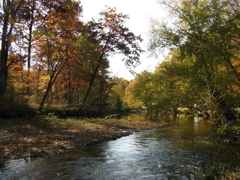 Image of the Cuyahoga River in Kent in 2012 in autumn